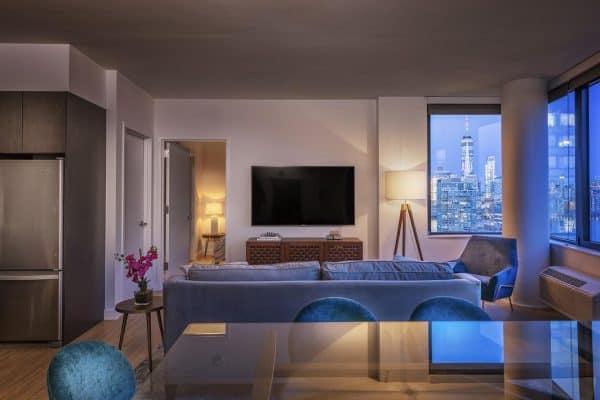 New York Deedee's Sky Rise Apartments at Newport II
