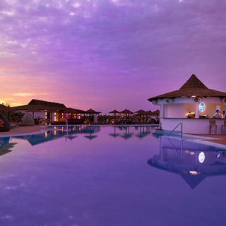 CAPE VERDE ISLANDS HOTEL CASE VACATION