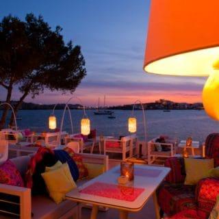 Ibiza hotel case vacanza party